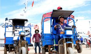 Tăng thu nhập nhờ du lịch biển đảo bằng xe ba gác máy