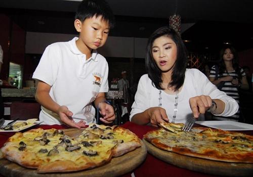 gia-dinh-Yingluck011-6706-1401792859.jpg