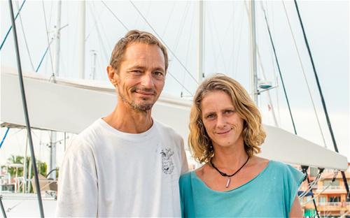 Katherine Tee và chồng tại Phuket, Thái Lan. Ảnh:Phuket Gazette