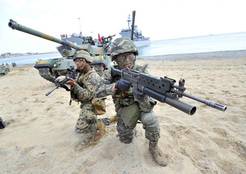 naval-drill-2283-1402022477.jpg