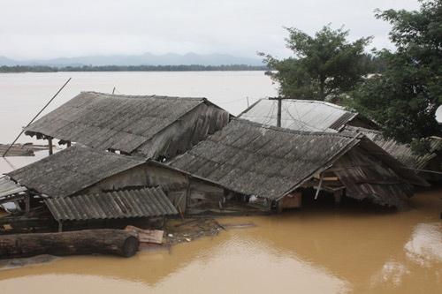 Biến đối khí hậu ngày càng biểu hiện rõ khi ở Việt Nam. Ảnh: Hải Bình.