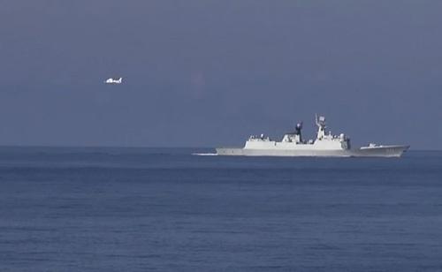 Cận cảnh tàu và máy bay Trung Quốc xâm phạm vùng đặc quyền kinh tế của Việt Nam.