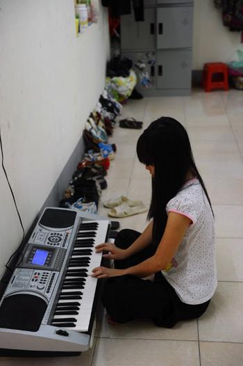 May Na, người H'Môngkhông muốn quay về nhà sau khi bị bán sang Trung Quốc. Ảnh: AFP