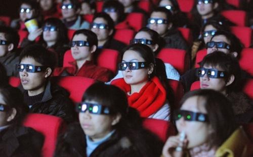 """Wang mua toàn bộ vé của 4 phòng chiếu phim """"Transformers: Age of Extinction"""" để chứng tỏ với bạn gái cũ. Ảnh minh họa: AFP"""