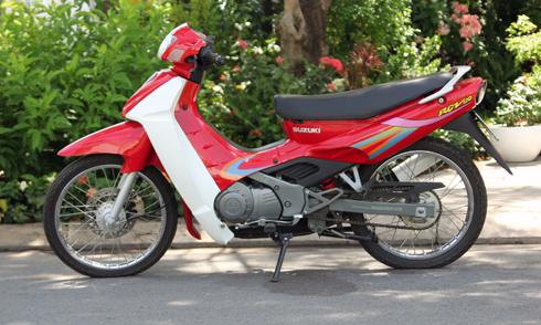 Chiếc Suzuki RGV 120 chưa lăn bánh ở Sài Gòn.