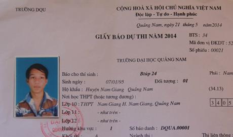 Ảnh 2: Để đến được hội đồng thi trường Đại học Quảng Nam, Btúp đã phải vượt gần 200km. (Ảnh: Tiến Hùng)