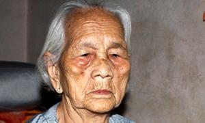 Cụ bà 104 tuổi quyết liệt chống trả tên cướp