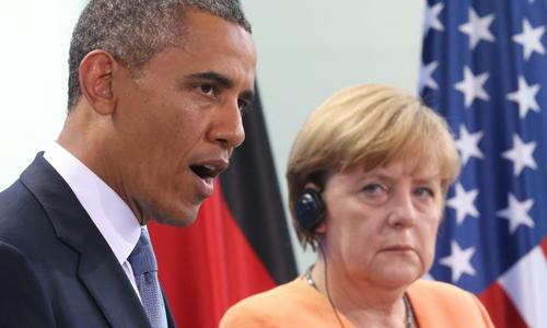 Quan hệ đồng minh Mỹ - Đức bắt đầu xấu đi sau những tiết lộ của cựu nhân viên tình báo Mỹ Edward Snowden. Trong ảnh, Tổng thống Mỹ Barack Obama và Thủ tướng Đức Angela Merkel. Ảnh:Truth Frequency Radio.