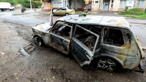 Nhiều người còn đùa cợt nhau rằng Luhansk giờ đây không còn tắc đường nữa. Phần lớn người dân đã rời bỏ thành phố để tránh những cuộc tấn công. Ảnh: RIA Novosti.