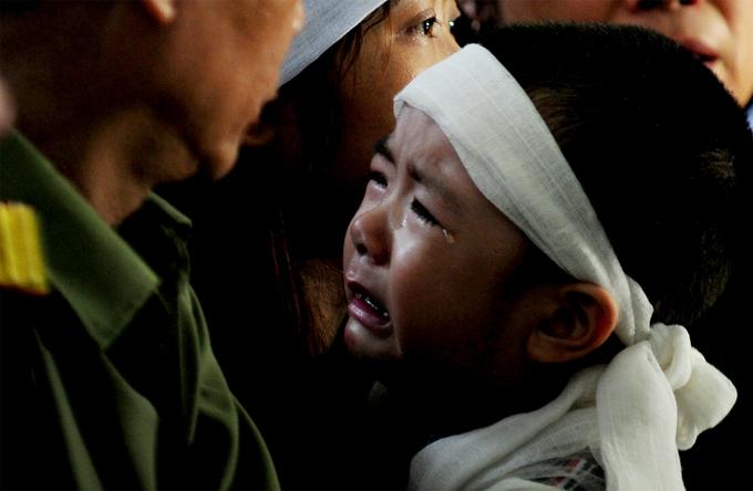 Hà Nội đổ mưa lớn phút tiễn đưa chiến sĩ tử nạn trên Mi 171