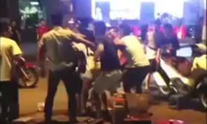 Nhóm thanh niên hỗn chiến ở quán trà đá vỉa hè Hà Nội