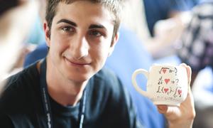Học sinh quốc tế hào hứng học làm gốm Bát Tràng