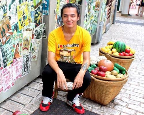Chân dung blogger Teach Me Vietnamese. Ảnh: Facebook.