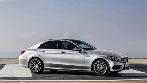 2015-Mercedes-Benz-C-Class-10.jpg