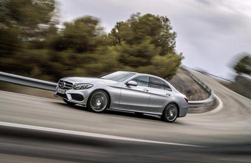 2015-Mercedes-Benz-C-Class-12.jpg