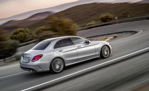 2015-Mercedes-Benz-C-Class-13.jpg