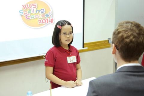 VUS Spelling Contest giúp học viên củng cố và tích lũy vốn từ vựng Anh ngữ.