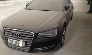 Xe sang Audi A8 bị ruồng bỏ ở Hà Nội gây xôn xao cộng đồng