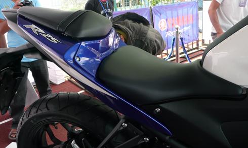 Yamaha-R25-18.jpg