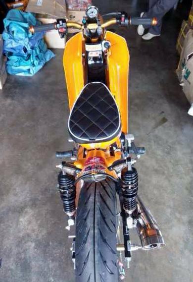 HondaC70-StreetCub-005-9716-1407231876.j