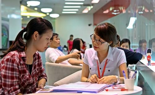 Học sinh tìm hiểu chương trình cử nhân Anh quốc tại BUV.
