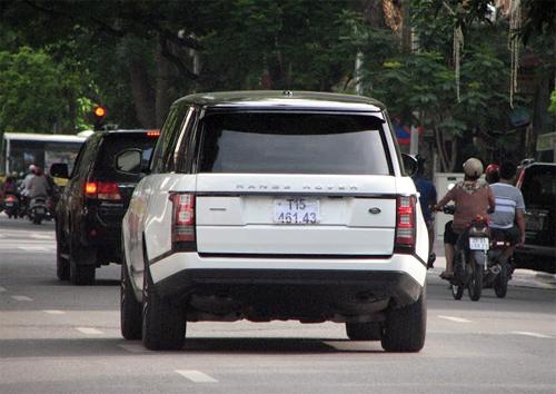 range-rover-lwb-8-7628-1408442075.jpg