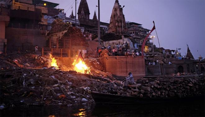 Tục chờ chết kỳ lạ ở Ấn Độ