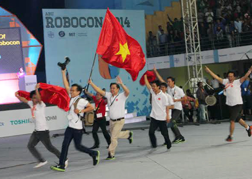 Niềm vui chiến thắng của đội tuyển Việt Nam. Ảnh: báo Đồng Nai.
