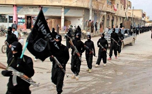 Isis-fighters-parade-thro-009-1921-14103