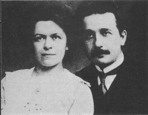 800px-Albert-Einstein-and-his-7733-9910-