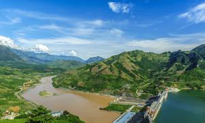 Độc giả nhận giải chung cuộc 'Vẻ đẹp năng lượng Việt Nam'
