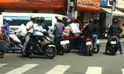 7 thủ đoạn dàn cảnh cướp giật khó lường ở Sài Gòn