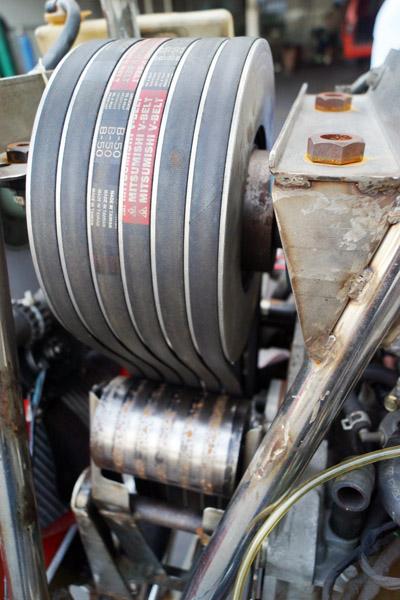 Qua hệ thống truyền lực, động cơ có thể giảm từ 5.000 vòng xuống còn 450 trên trục quay của cánh máy bay. Bên trong còn có hệ thống vòng bi tách truyền động khi động cơ gặp trục trặc thì người lái vẫn có thể đáp an toàn.