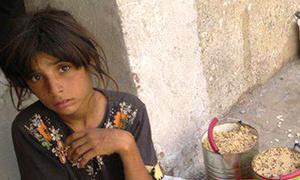 Trẻ em Syria ra đường kiếm ăn cứu gia đình khỏi chết đói