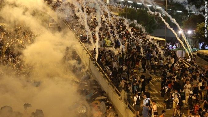Biểu tình dữ dội nhất hai thập kỷ ở Hong Kong