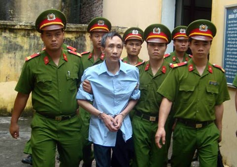 anh-han-duc-long-2638-1412234355.jpg