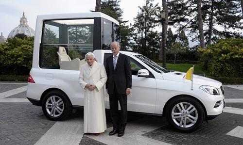 Mercedes-Benz-M-Class-Popemobi-5356-8342