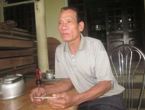 Ông Nguyễn Văn Ngụ kể lại sự việc được nhận số tiền đền bù lớn gấp nhiều lần. Ảnh: Đức Hùng