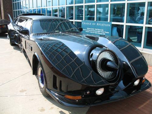 Batmobile-Limousine-4165-1413542377.jpg