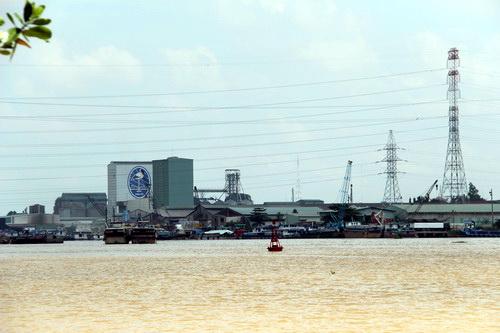 Mục đích chuyển đổi công năng khu công nghiệp là giảm ô nhiễm nguồn nước cho sông Đồng Nai. Ảnh: Hoàng Trường