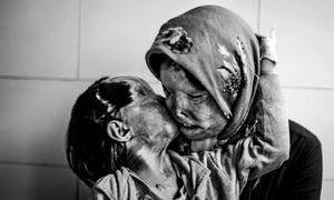 10 khoảnh khắc khiến trái tim cộng đồng tan chảy
