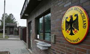 Nga trục xuất nhân viên ngoại giao để trả đũa Đức và Ba Lan