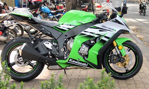 Kawasaki-Ninja-1-2047-1417714251.jpg