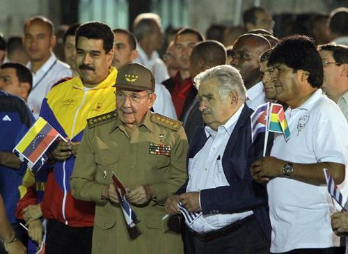 Nicolás Maduro of Venezuela, left, with President Raúl Castro of Cuba