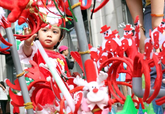 Đường phố Hà Nội, Sài Gòn lộng lẫy trước Noel