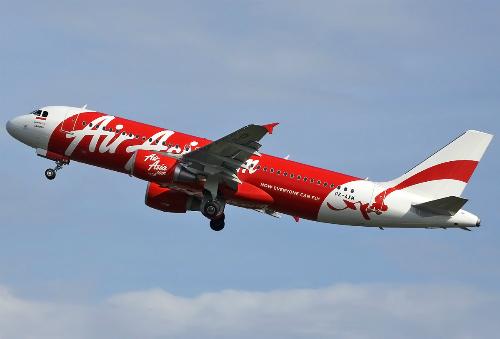 Indonesia-AirAsia-Airbus-A320-6556-1673-