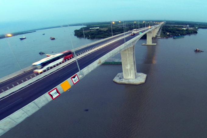 Cao tốc hiện đại nhất Việt Nam trước ngày thông xe toàn tuyến