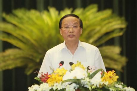 Trưởng ban Tổ chức Trung ương Tô Huy Rứa nhấn mạnh: Năm 2015 Ban Tổ chức Trung ương tập trung làm tốt công tác tham mưu nhân sự cho Đại hội Đảng. Ảnh: TTXVN