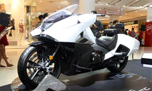 Honda-NM4-3970-1422608399.jpg