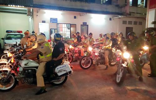 Đây là hoạt động thường xuyên của lực lượng cảnh sát trong tháng cao điểm trước tết Nguyên đán.